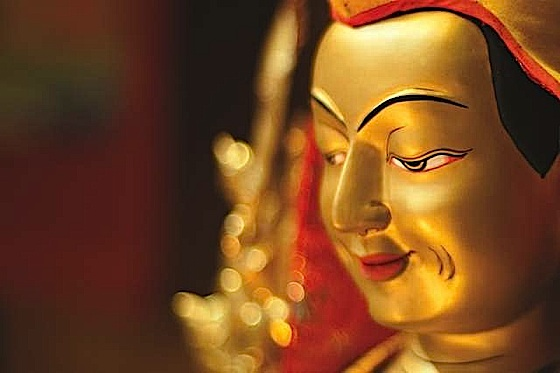 Buddha-Weekly-0Je-Tsongkhapa-Statue